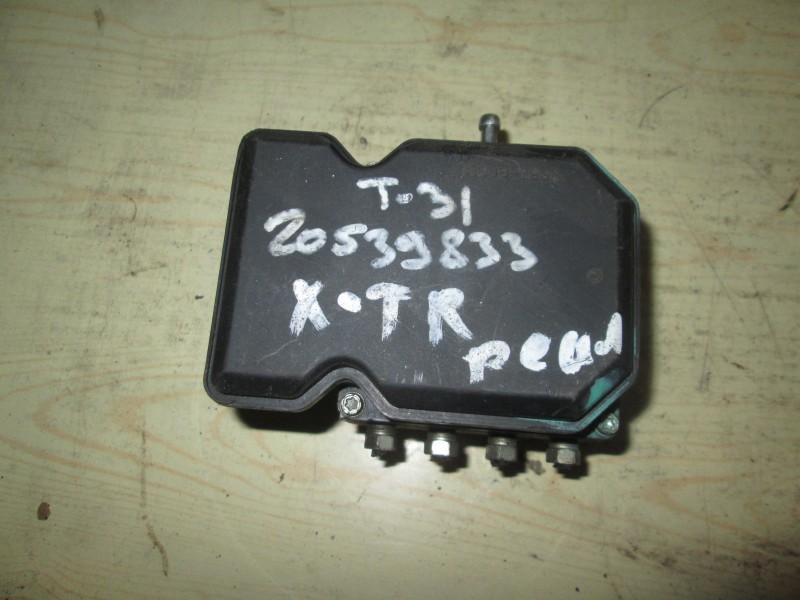 Блок abs Nissan X-Trail T31 QR25DE 2012