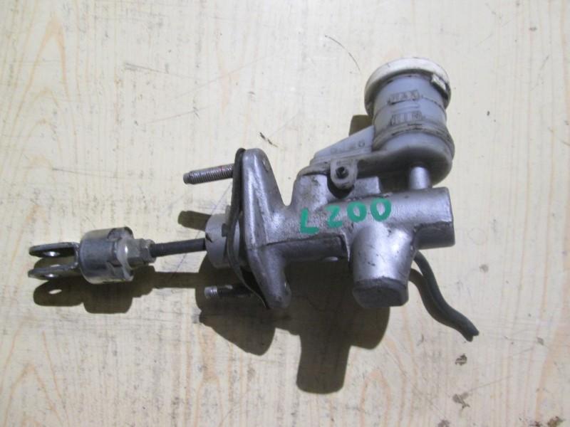 Цилиндр сцепления главный Mitsubishi L200 KB4T 4D56 2008