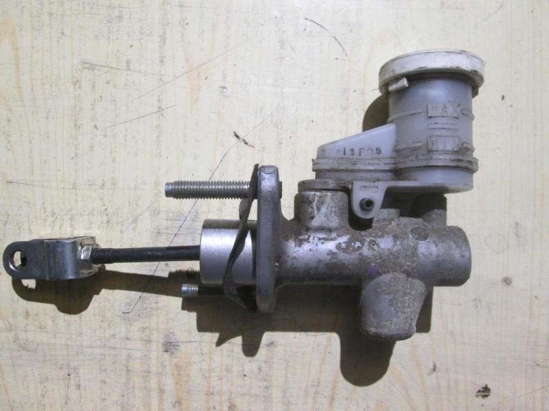 Цилиндр сцепления главный Mitsubishi Pajero Sport KH4W 4D56 2012
