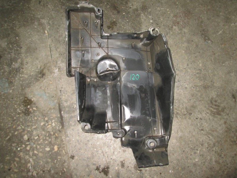 Пластик отсека двс Toyota Corolla E120 4ZZ-FE 2007