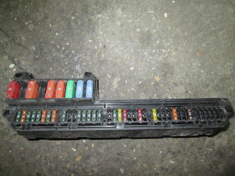 Блок предохранителей, реле салона Bmw 5-Series E60 N52B25A 2006