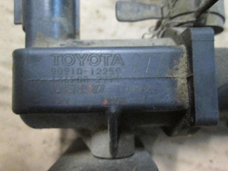 Клапан продувки адсорбера Lexus Lx470 UZJ100 2UZ-FE 2005
