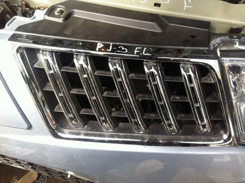 Решетка радиатора Mitsubishi Pajero Sport KH4W 4D56 2012 передняя левая