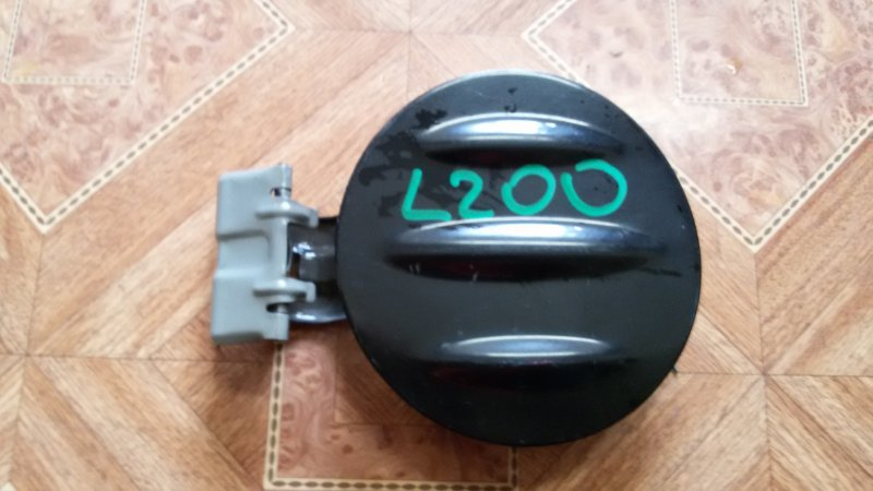 Лючок топливного бака Mitsubishi L200 KB4T 4D56 2008
