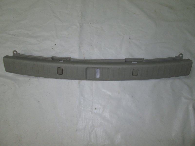 Обшивка крышки багажника Lexus Rx330 MCU38 3MZ-FE 2004