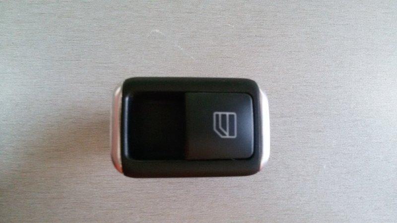 Кнопка стеклоподъемника Mercedes-Benz E-Class W212 M271.860 2012 задняя правая