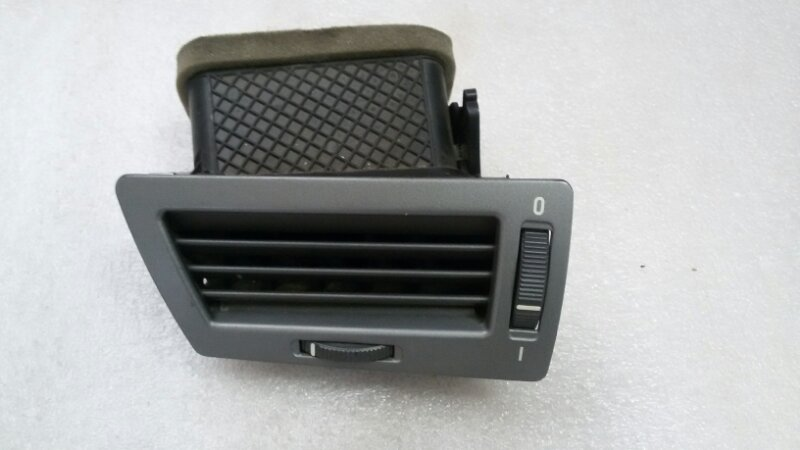 Решетка вентиляционная Bmw 7-Series E66 N62B40A 2006