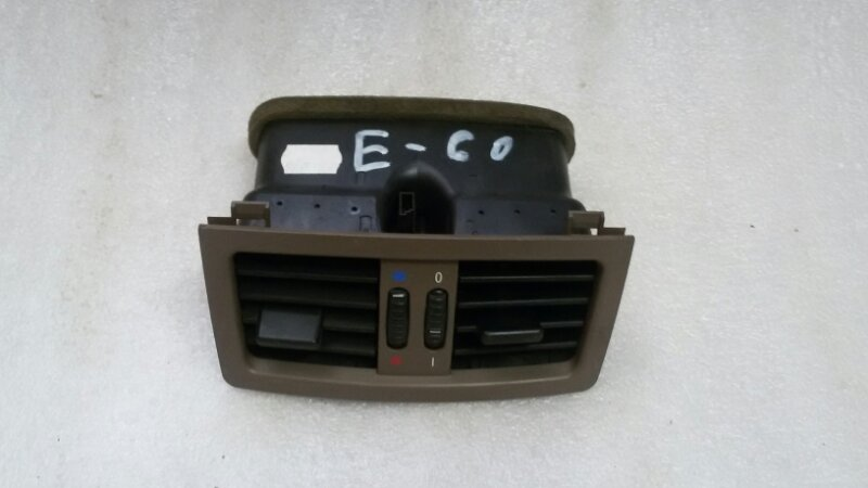 Решетка вентиляционная Bmw 5-Series E60 M54B25 2004 задняя