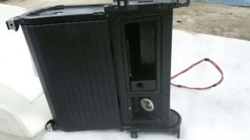 Подстаканник Bmw X5 E70 M57TU2D30 2008