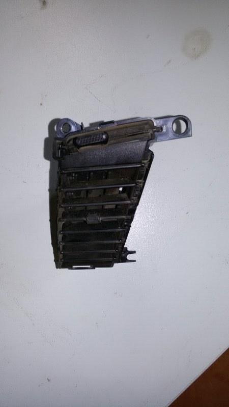 Решетка вентиляционная Mitsubishi Pajero Sport KH4W 4D56 2012