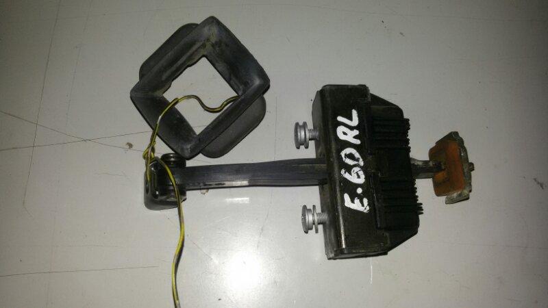 Ограничитель двери Bmw 5-Series E60 N52B25A 2006 задний левый