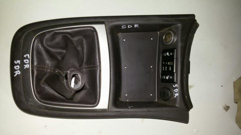 Накладка на консоль кпп Hyundai Santa Fe CM G4KE, 2.4L 2010