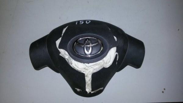 Подушка безопасности водителя Toyota Corolla E150 1NR-FE 2013