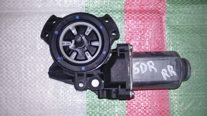 Моторчик стеклоподъемника Hyundai Santa Fe CM G4KE, 2.4L 2010 задний правый
