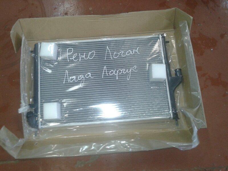 Радиатор охлаждения двс Renault Logan
