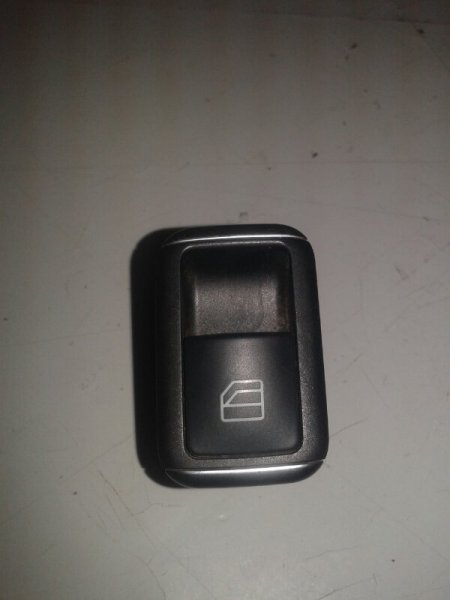 Кнопка стеклоподъемника Mercedes-Benz E-Class W212 M271.860 2012 передняя правая