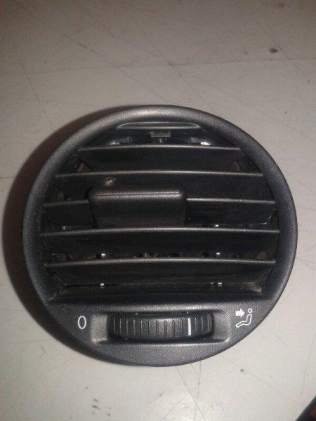 Решетка вентиляционная Volkswagen Caddy 2KB BSE 2007 передняя правая