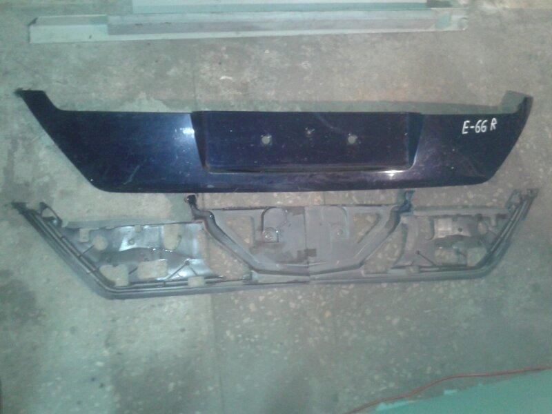Накладка на крышку багажника Bmw 7-Series E66 N62B40A 2006 задняя