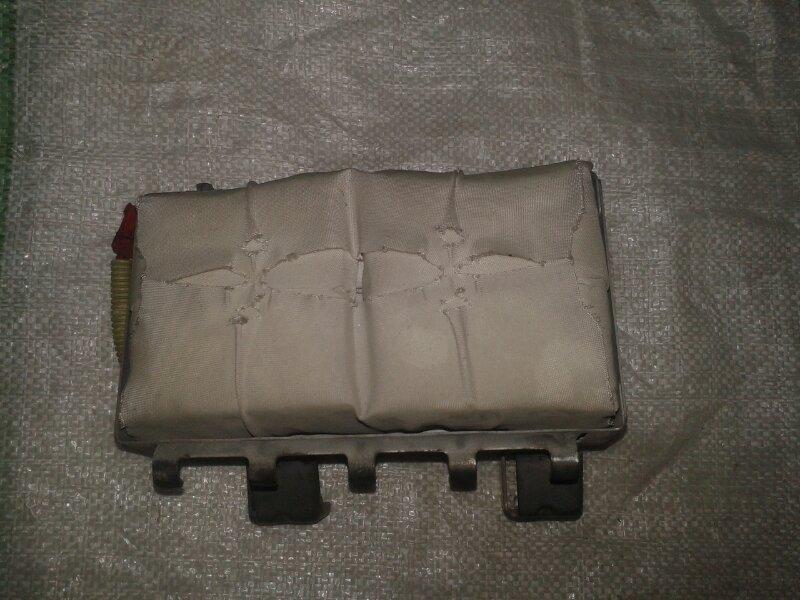 Подушка безопасности пассажира Mitsubishi Pajero Sport KH4W 4D56 2012 передняя правая