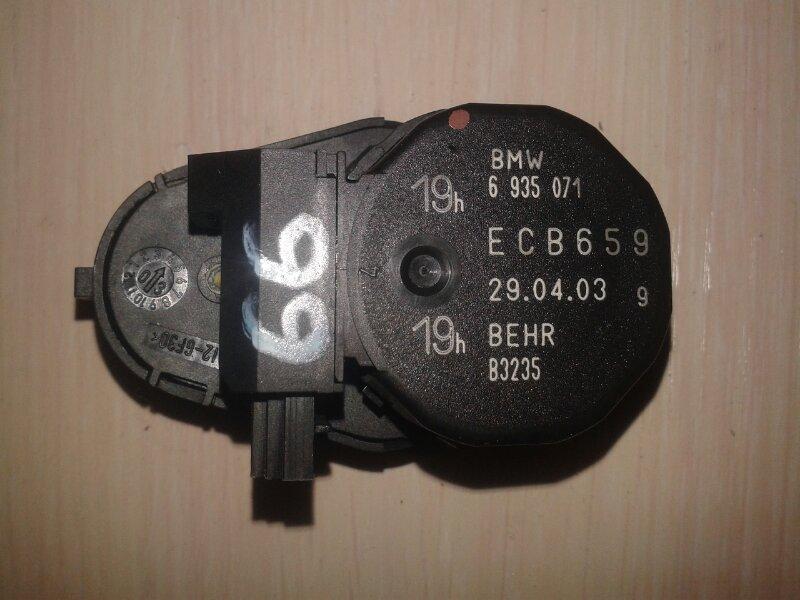 Мотор заслонки печки Bmw 7-Series E66 N62B40A 2006