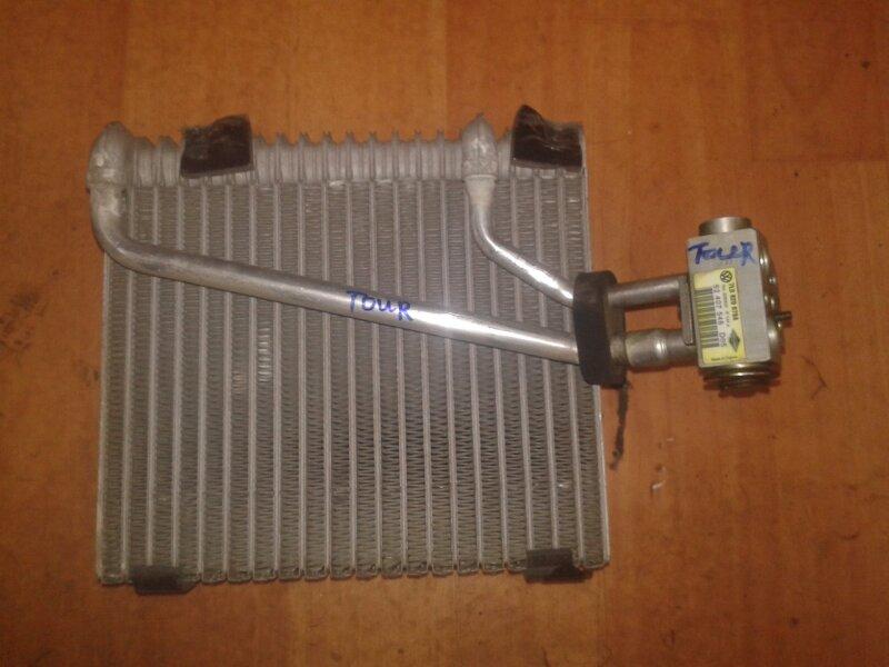 Радиатор кондиционера Volkswagen Touareg 7LA AXQ 2005