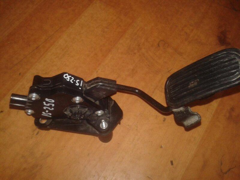 Педаль газа Lexus Is250 GSE20 4GR-FSE 2007