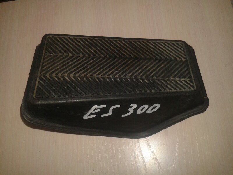 Подставка под ногу Lexus Es300 MCV30 1MZ-FE 2002