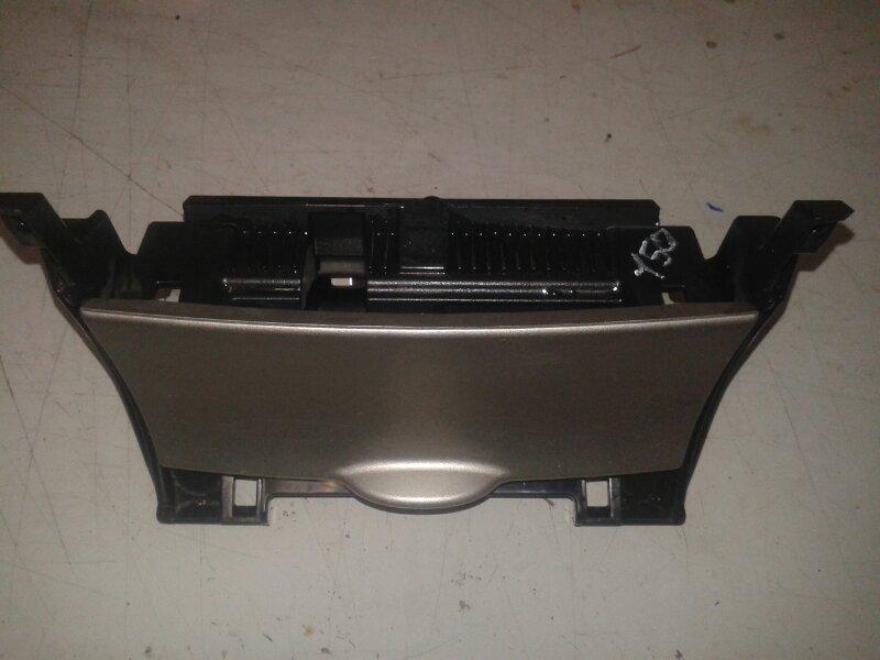 Пепельница Toyota Corolla E150 1ZR-FE 2012