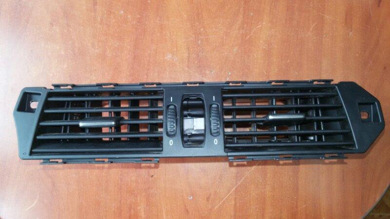 Решетка вентиляционная Bmw 5-Series E60 N52B25A 2007 передняя