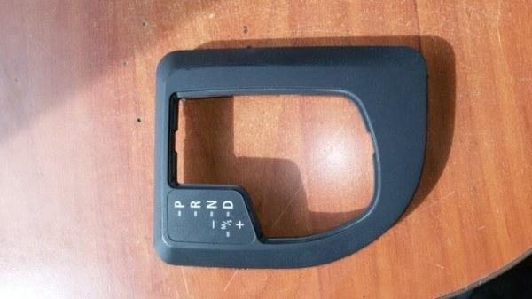 Накладка на консоль кпп Bmw 5-Series E60 N52B25A 2007