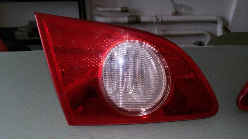 Задний фонарь Nissan Bluebird Sylphy G11 задний левый