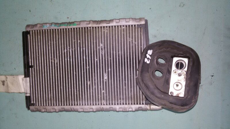 Радиатор кондиционера Mercedes-Benz E-Class W212 M271.860 2012