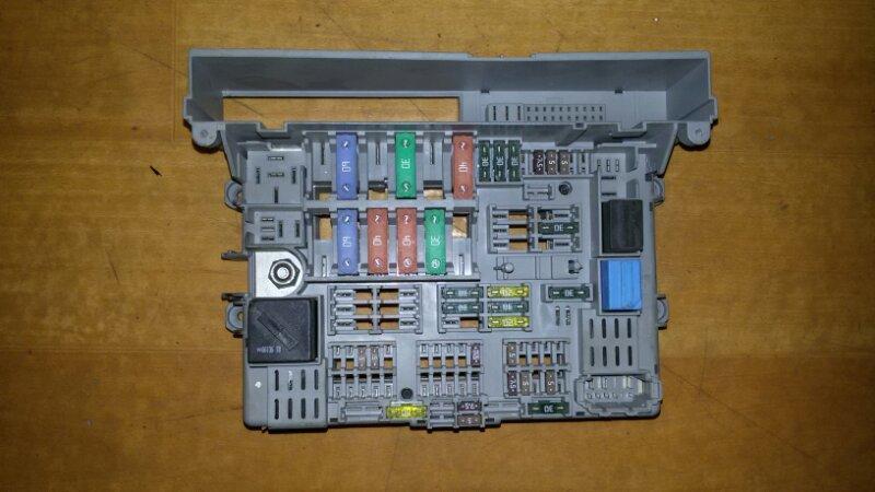Блок предохранителей, реле салона Bmw 3-Series E90 N52B25 2006