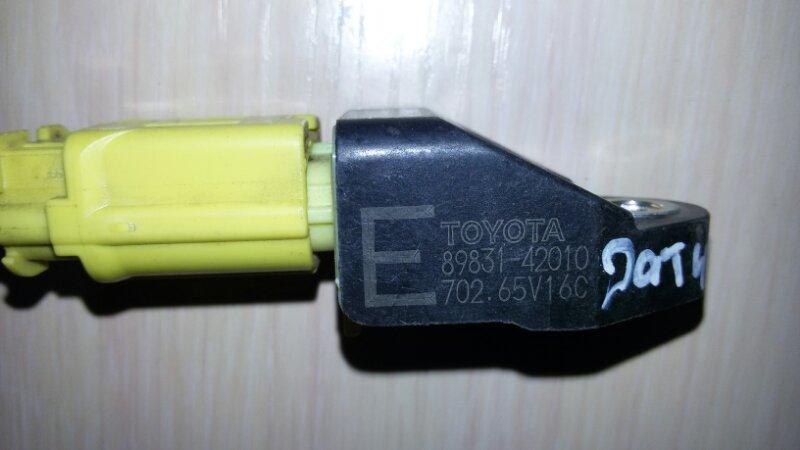 Датчик airbag Toyota Rav4 ACA31 3ZR-FE 2011