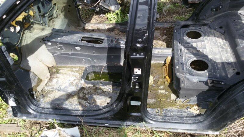Стойка кузова Volkswagen Touareg 7LA AXQ 2005 левая