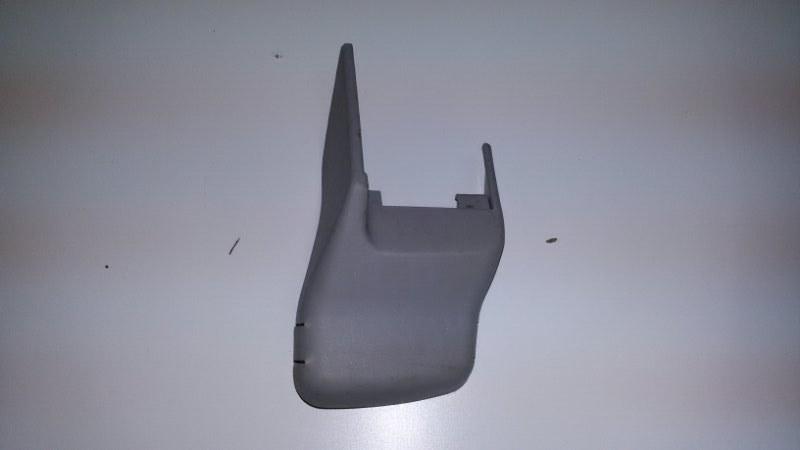 Крышка петли сиденья Lexus Rx330 MCU38 3MZ-FE 2005 передняя правая