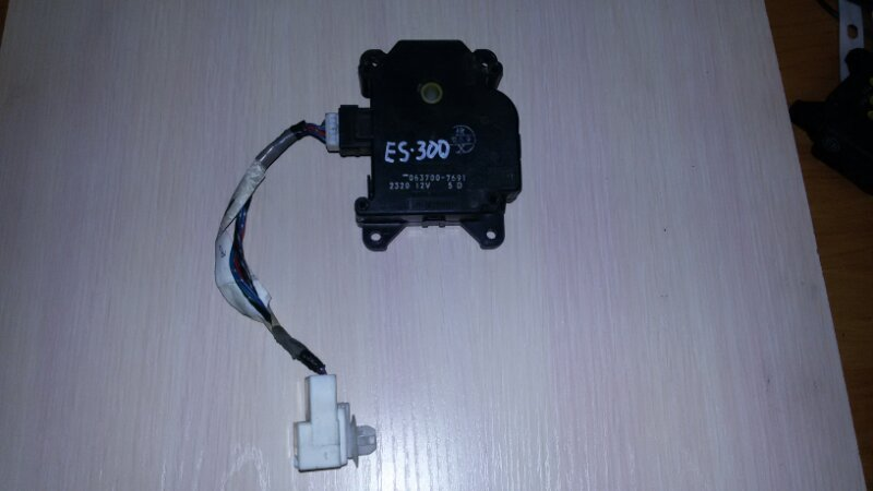 Мотор заслонки печки Lexus Es300 MCV30 1MZFE 2002