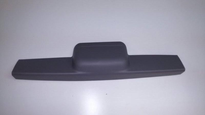 Обшивка двери багажника Mitsubishi Pajero Sport KH4W 4D56 2012 задняя верхняя