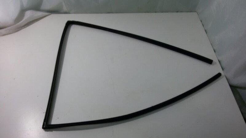 Уплотнитель стекла двери Toyota Rav4 ACA30 1AZ-FE 2007 задний левый