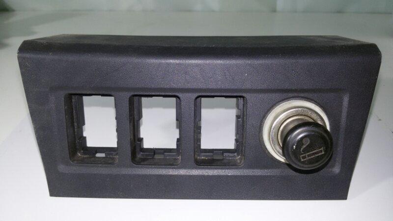 Накладка на консоль Toyota Rav4 ACA30 1AZFE 2007 передняя