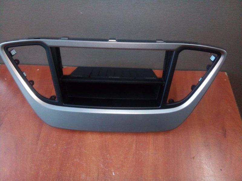 Накладка на консоль Hyundai Solaris HCR G4LC, 1.4 2017 передняя