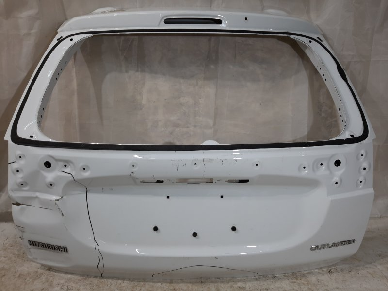 Дверь багажника Mitsubishi Outlander GF2W, GF3W, GF4W, GF6V, GF6W, GF7W, GF8W, GG2W, 3 4B11, 4B12, 4J11, 4J12, 4N14, 6B31 2019 задняя