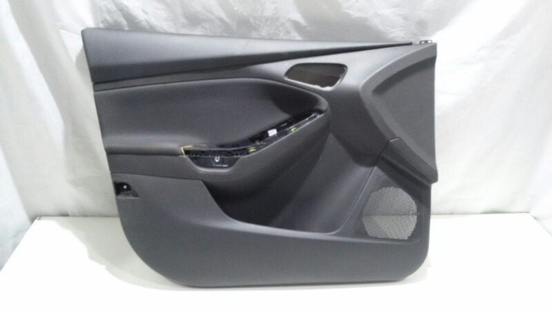 Обшивка двери Ford Focus CB8 T3DA, T3DB 2014 передняя левая