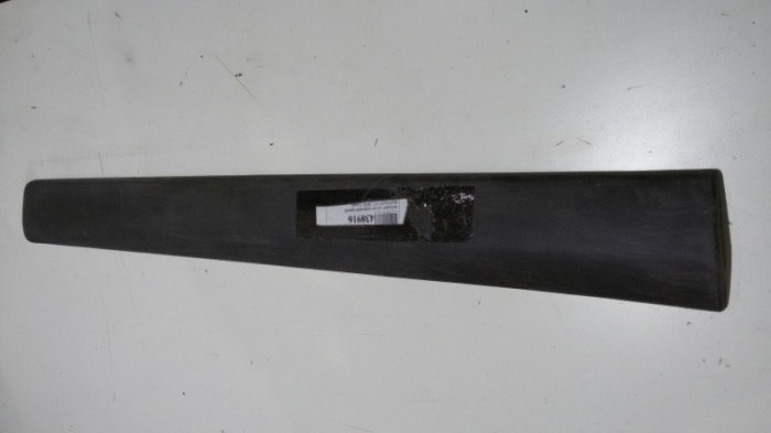 Накладка на дверь Lada Largus F90, R90 K4M, K7M, BAZ11189, BAZ21129 2018 передняя правая