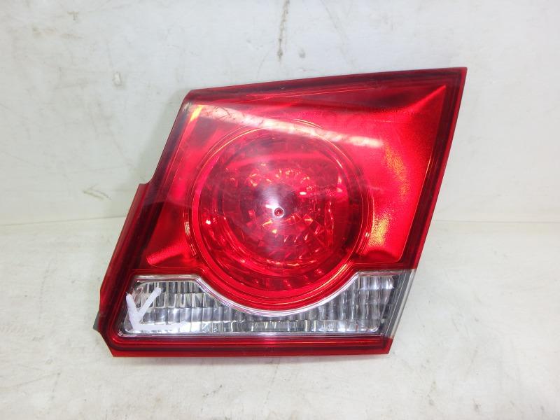Задний фонарь Chevrolet Cruze J300 L2W, LDD, LDE, LFH, LHD, LKR, LLW, LNP, LUD, LUJ, LUW, LVM, LXT, LXV 2011 задний левый