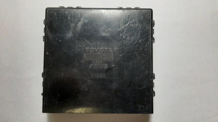 Блок управления климат-контролем Lexus Rx330 MCU38 3MZ 2005