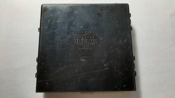 Блок управления климат-контролем Lexus Rx330 MCU38 3MZ-FE 2004