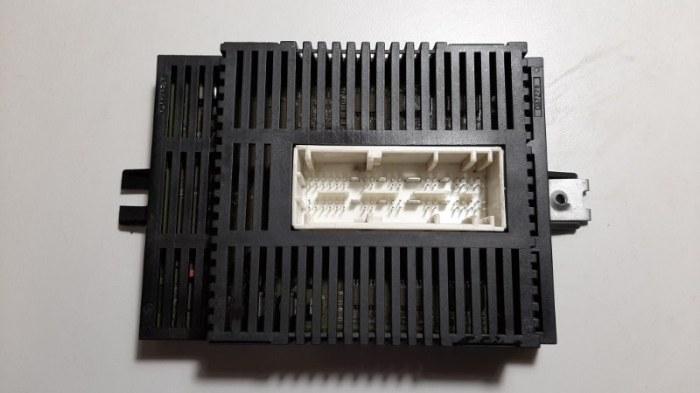 Блок управления светом Bmw 7-Series E65 N62B44A 2003