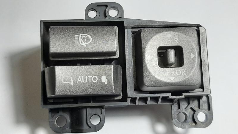 Блок управления зеркалами Lexus Lx570 URJ201 3UR-FE 2009