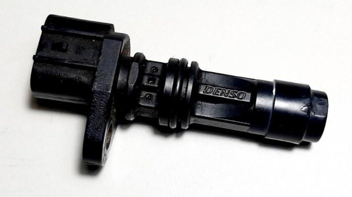 Датчик положения коленвала Nissan Pathfinder R51M YD25 2005